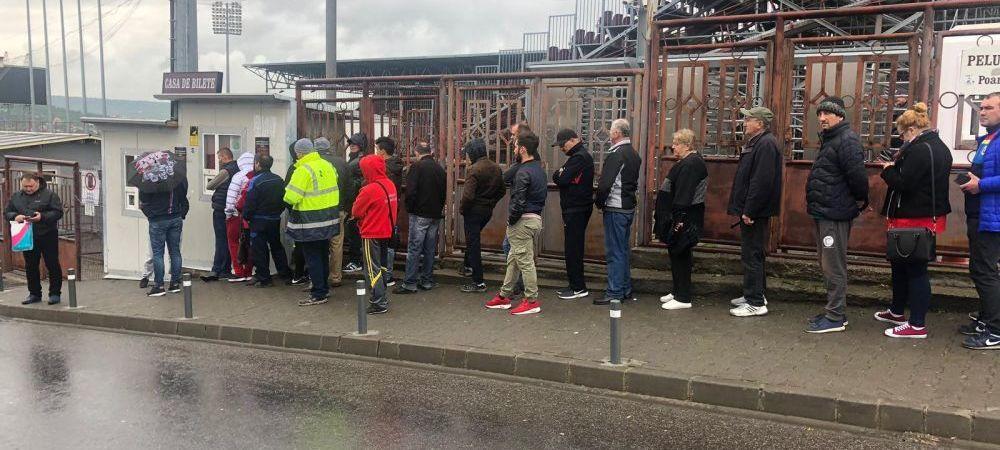 FOTO   Interes maxim pentru meciul care poate decide titlul! Fanii CFR-ului au facut coada la casele de bilete inaintea partidei cu Craiova