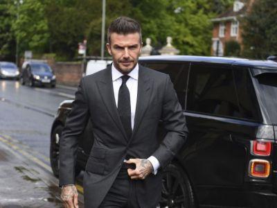 A recunoscut ca a folosit telefonul in timp ce conducea! Cat ramane fara permis David Beckham