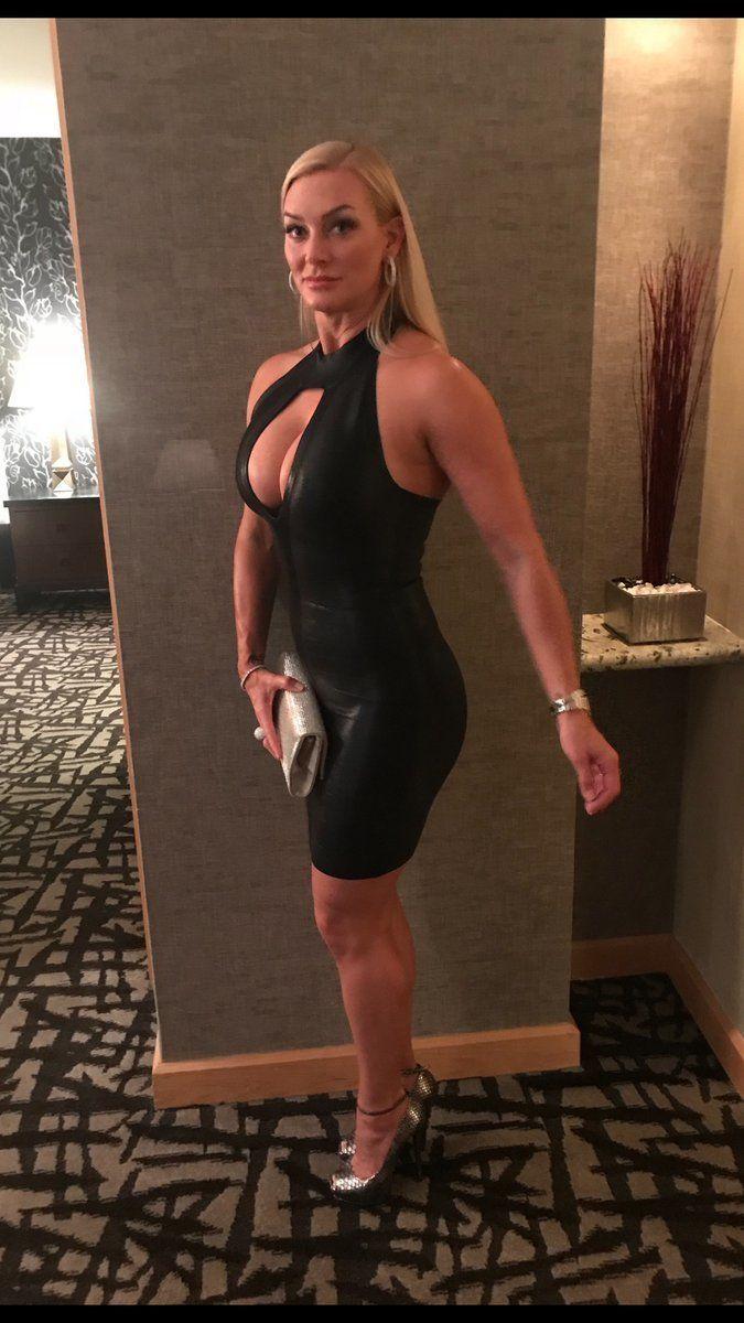 Cum arata sotia cu 20 de ani mai tanara a lui Hulk Hogan: