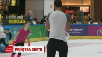 Ea e cea mai mica patinatoare din Romania! Nu are trei ani, dar va concura la prima competitie! Cand a urcat pe patine, nici nu stia sa mearga bine!