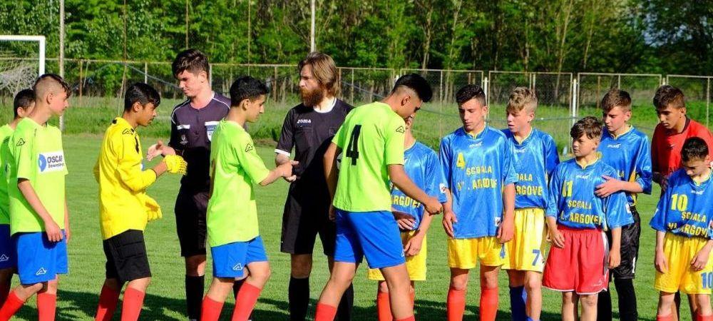 Alexandru Tudor, de la Liga I la Campionatul Interparohial organizat de Protopopiatul Lehliu! Fostul arbitru FIFA a arbitrat turneul organizat de Biserica!