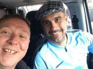 """""""Poti sa-l duci pe Guardiola pana acasa?"""" Surpriza vietii pentru un suporter Man.City la parada! FOTO"""