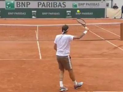 Roger Federer NU este de pe aceasta planeta! Lovitura EXTRATERESTRA reusita la Roland Garros. VIDEO