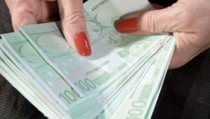 O moldoveanca a mostenit 3 milioane € de la italianul de care a avut grija