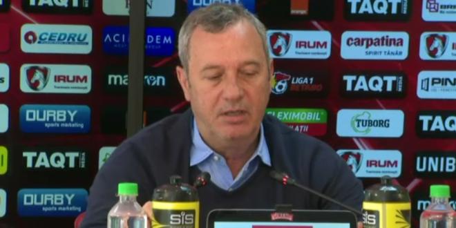 Mircea Rednic a anuntat noul transfer al lui Dinamo!  Va semna azi  Cine e fundasul care vine in Stefan cel Mare