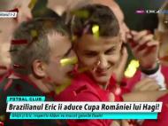 FINALA CUPEI ROMANIEI | Cand toata lumea se bucura, Hagi s-a dus direct spre unul dintre jucatorii sai, pe podium. Gestul pe care l-a facut