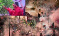 """""""S-a imbatat!"""" Jurgen Klopp, one man show la parada celor de la Liverpool in fata a 750.000 de oameni! Era sa cada din autobuz si i-a turnat bere in cap unui jucator! VIDEO & FOTO"""
