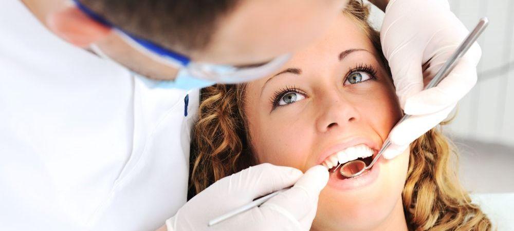 (P) Cum se desfasoara operatia chirurgicala de insertie a unui implant?