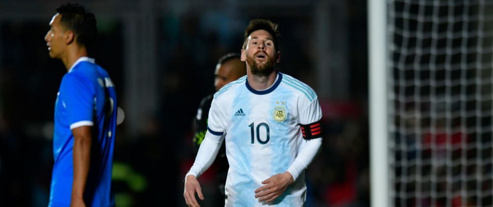 MAGIA lui Messi! Starul Argentinei a facut SHOW la nationala: a reusit o dubla, primul gol a venit dupa o faza la care a ametit 4 adversari! VIDEO
