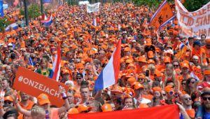 Nebunie totala la Campionatul Mondial de Fotbal feminin! Suporterii olandezi au luat cu asalt stadionul! Imagini FABULOASE!