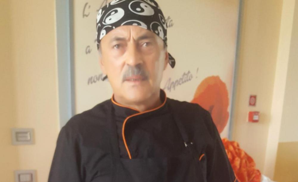 Bucatarul sef din Cluj la hotelul de 5 stele in care este cazata nationala Romaniei!