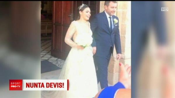 Motivul pentru care Mangia nu a semnat pana acum cu nicio echipa: a fost ocupat cu nunta! Italianul s-a insurat cu partenera lui SEXY, mai tanara decat el. FOTO