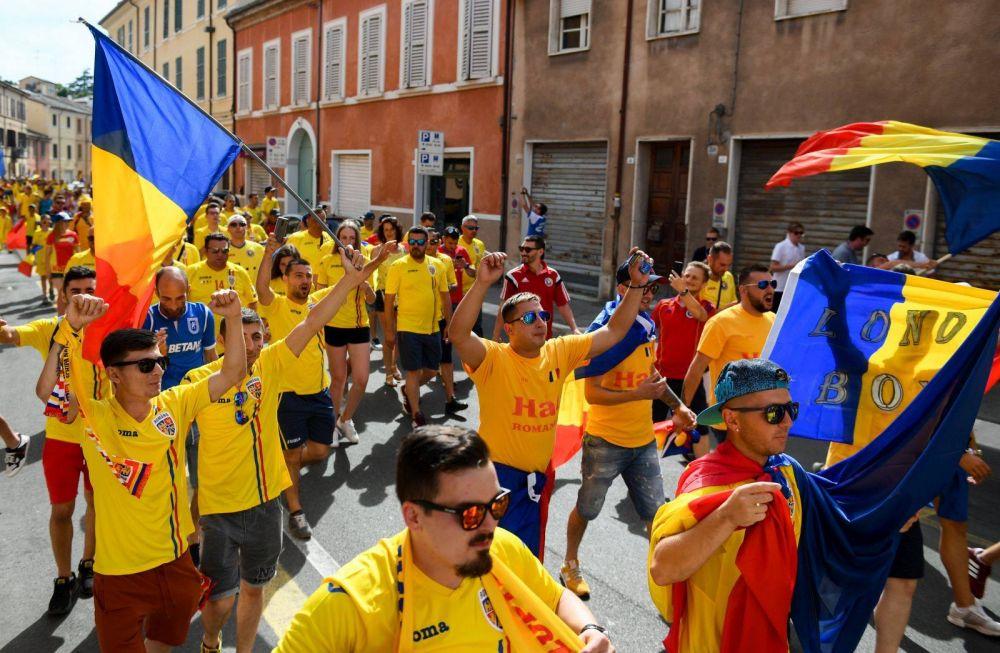 OCCUPY CESENA! Imagini FANTASTICE la Cesena! Peste 1000 de fani romani in MARS spre stadion!