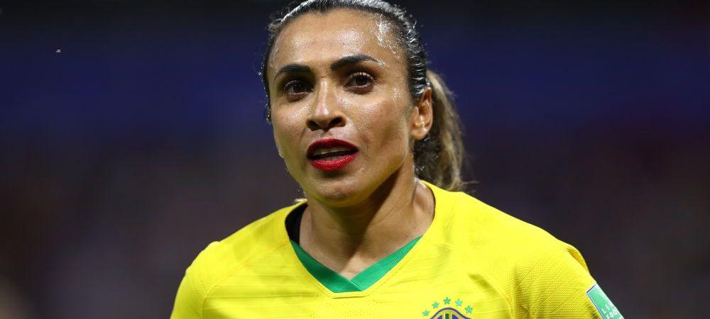 Vedeta Braziliei la fotbal feminin, criticata pentru ca a jucat MACHIATA. Explicatia jucatoarei. FOTO