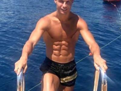Bacsisul incredibil lasat de Cristiano Ronaldo hotelului la care a stat in Grecia. Cazarea l-a costat 8.000 euro pe noapte!