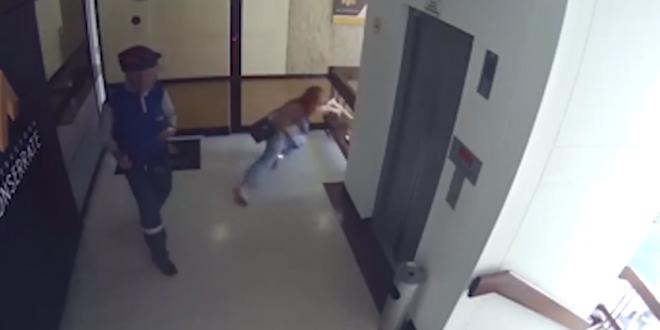 Gestul unei mame, atunci cand vede ca fiul sau cade de la etajul 4. VIDEO