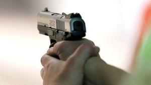 Incredibil! Un om de la Viitorul s-a ales cu dosar penal dupa ce politistii au descoperit un pistol asupra sa