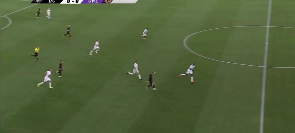 Uita pentru 30 de secunde de Romania - Germania si uita-te la golul marcat de Rooney! FABULOS: a dat GOL din propriul teren in MLS. VIDEO