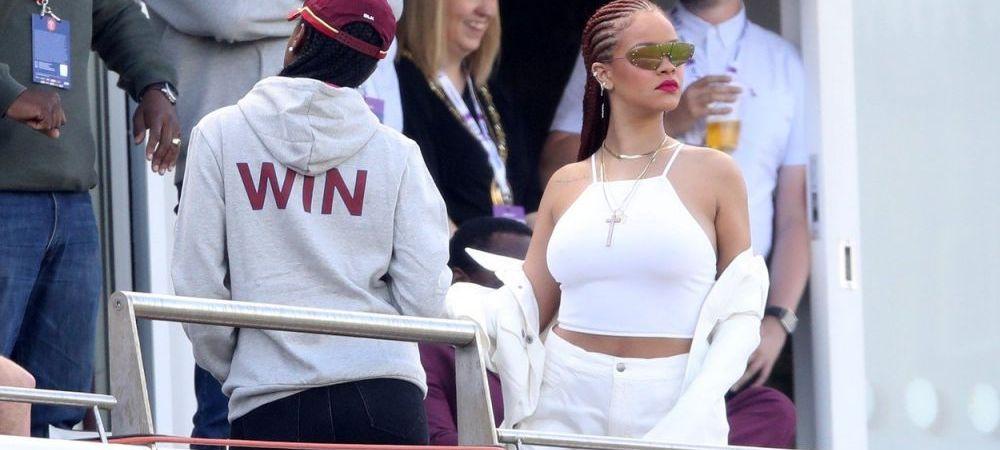 Rihanna a comis-o din nou! A PERTURBAT un meci de cricket cu costumatia ei. Galerie FOTO
