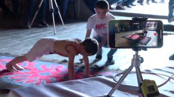 Copilul de 6 ani care a castigat un apartament pentru familia sa! Cate mii de flotari a facut in 2 ore! VIDEO