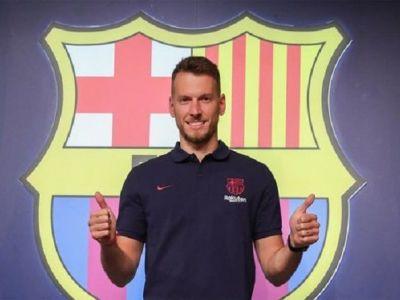 OFICIAL: Barcelona si-a prezentat ultima achizitie! Se anunta o batalie apriga in sezonul viitor pentru postul de titular in poarta echipei