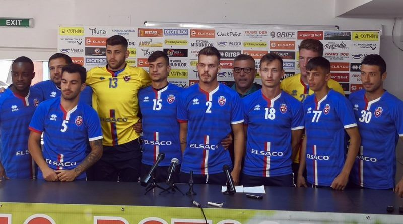Abia au intrat in poza! Echipa din Liga 1 care a prezentat 10 jucatori noi dintr-un foc! Patronul cere calificarea in Play Off in acest sezon