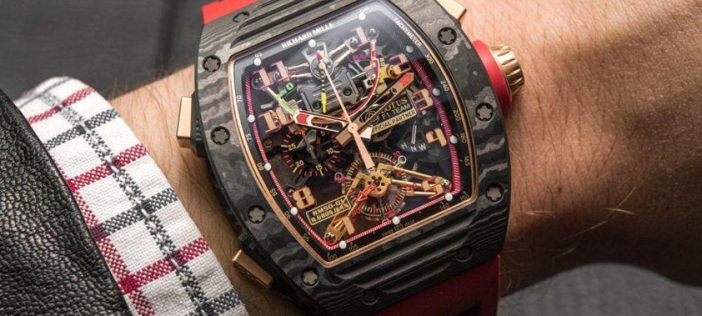 Cine e tanarul caruia un hot i-a furat de la mana un ceas de 1,2 milioane de dolari in Ibiza! Il luase de la tatal sau fara sa stie