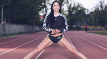 """Prinde-o, daca poti! O atleta din Romania este una dintre cele mai sexy sportive ale lumii si vrea sa pozeze in Sports Illustrated: """"Femeile care fac sport sunt mai sexy"""". VIDEO"""