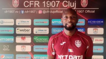 OFICIAL | CFR Cluj a luat unul dintre cei mai buni fundasi din Liga 1! Petrescu a primit aparatorul cerut