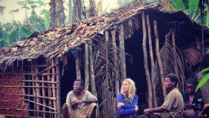 VIDEO cu momentul socant in care O JURNALISTA E PRINSA in conflictul violent dintre 2 triburi