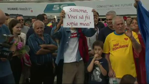 Simona Halep, ceruta in casatorie la revenirea in tara cu trofeul de la Wimbledon. Cum a raspuns barbatul la intrebarea:  Esti sigur ca accepta?  VIDEO
