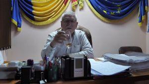 "Primar din Romania: ""Stati sa-mi beau whisky-ul asta. Gata, putem incepe interviul"""