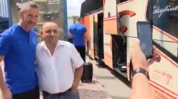 Moment genial pentru stelisti in Moldova! Ce i-a spus un fan lui MM dupa ce au facut poza impreuna :)