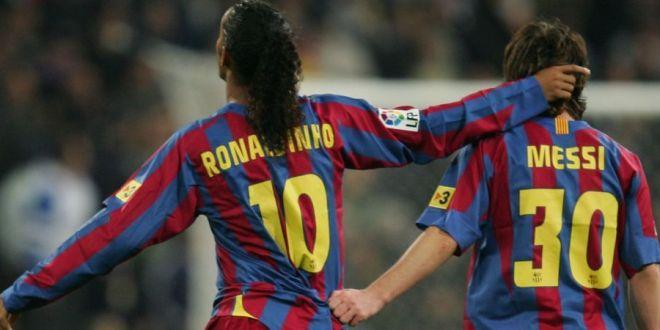OFERTA NEASTEPTATA primita de Ronaldinho: un club minuscul negociaza cu fostul star al Barcei! Brazilianul s-a retras de 4 ani!
