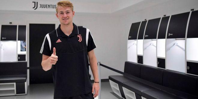 Juventus l-a prezentat oficial pe cel mai scump fundas din lume! Cu ce numar va juca pustiul De Ligt la Torino: FOTO