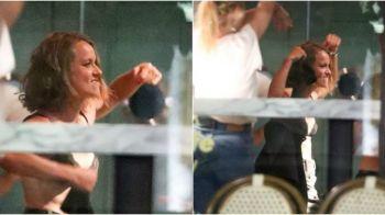 A luat-o razna dupa victoria de la Wimbledon! Castigatoarea de la dublu a facut STRIPTEASE in centrul vechi! FOTO