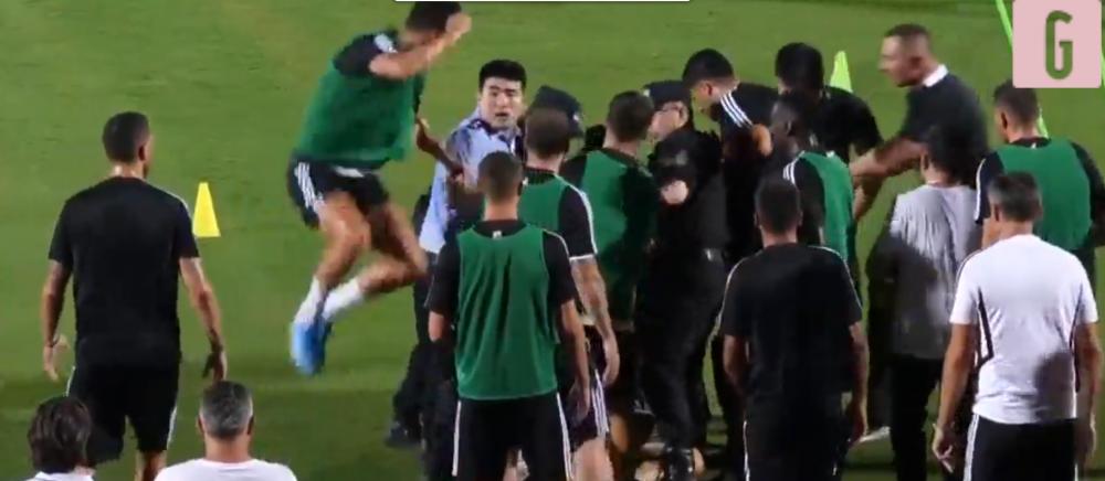 Gestul INCREDIBIL al lui Ronaldo in fata politistilor chinezi! A sarit pe un agent si putea declansa un scandal MONSTRU!