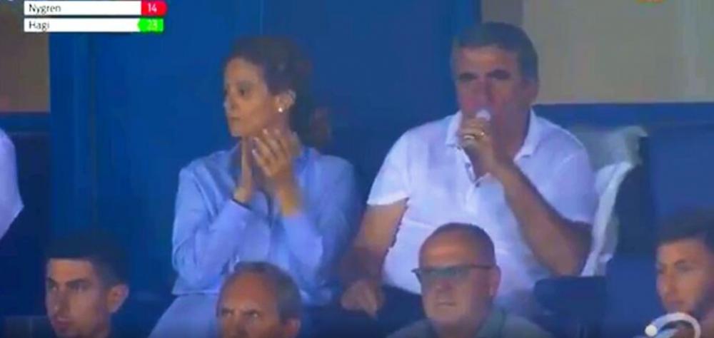 Keep calm, ca-i cucereste Ianis! Belgienii l-au cautat pe Gica Hagi in tribune la meciul lui Genk! Cum l-au surprins: FOTO