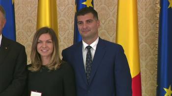 """Simona Halep si Toni Iuruc nu se mai ascund! Noul iubit al Simonei a intrat in """"poza de familie"""" cu Klaus Iohannis. FOTO"""