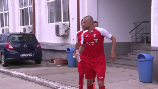 Gabi Tamas a venit cu STICLA DE APA in mana si a dat gol la primul meci:
