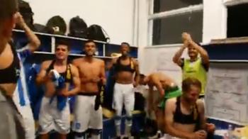 """""""IASIUL, IASIUL! BA, IA GATA! SA VINA BANII!"""" :)) Nebunie totala in vestiarul Iasiului dupa victoria cu FCSB! VIDEO"""