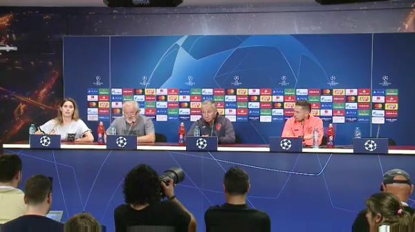 """Petrescu aplica aceeasi strategie inaintea meciului cu Slavia: """"E mare favorita. Cea mai ofensiva echipa pe care am vazut-o in 16 ani!"""""""