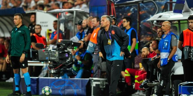 ULTIMA ORA | Dan Petrescu, pe lista unei echipe care in mai o bloca pe Man United in lupta pentru UEFA Champions League! Antrenorul CFR-ului poate ajunge in Anglia