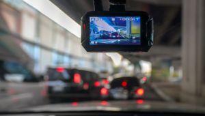 Tot mai multe camere video pe masini. Cum pot fi folosite IMAGINILE LA PROCES SAU CASCO