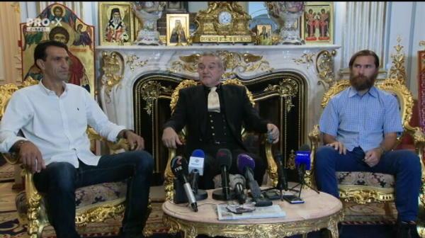 """Becali pregateste doua transferuri: """"Sunt jucatori de nationala!"""" Reactia lui Vintila cand Becali a anuntat ca trei jucatori sunt OUT"""