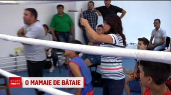 Singura fata care boxeaza la Petrolul o are pe bunica sefa de galerie! E incurajata de toata familia in ring!