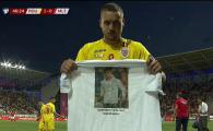 ROMANIA - MALTA: Cui i-a dedicat George Puscas golul! Atacantul a luat un tricou si l-a aratat catre camera! FOTO