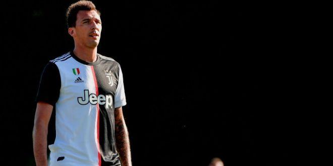 Mandzukic, pe picior de plecare de la Juventus dupa ce a fost lasat in afara lotului pentru UCL! Doua echipe il atrag cu un salariu urias, dar asteapta OK-ul Ministerului Sportului