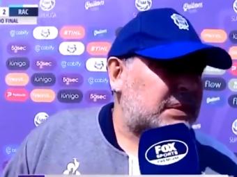 Faza FABULOASA cu Maradona in Argentina! S-au PLIMBAT cu panoul dupa el in timpul interviului! :))