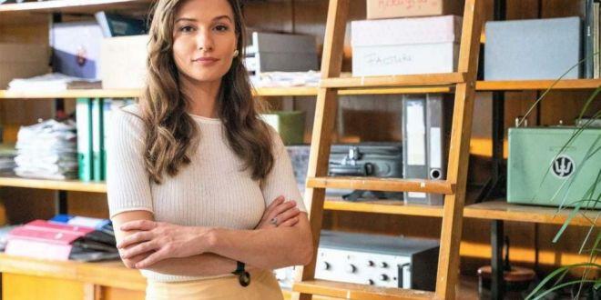 Aida Economu, cea mai sexy profesoară! Poze nud artistice